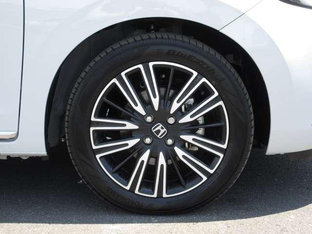 e:HEVリュクス 2年保証付 デモカー 衝突被害軽減ブレーキ サイド&カーテンエアバッグ ドライブレコーダー メモリーナビ フルセグTV バックカメラ シートヒーター 純正アルミホイール LEDヘッドライト(20枚目)