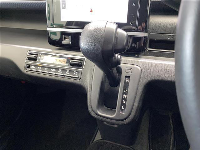 ハイブリッドFZ 純正メモリナビ フルセグ Bluetooth ステアリングスイッチ 全方位モニター アイドリングストップ LEDヘッドライト オートライト シートヒーター フロアマット 横滑り防止 スマートキー(8枚目)