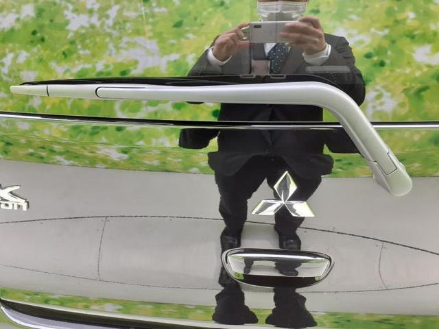 E EBD付ABS/エアバッグ 運転席/エアバッグ 助手席/パワーウインドウ/キーレスエントリー/パワーステアリング/FF/マニュアルエアコン 禁煙車 盗難防止装置 アイドリングストップ(14枚目)