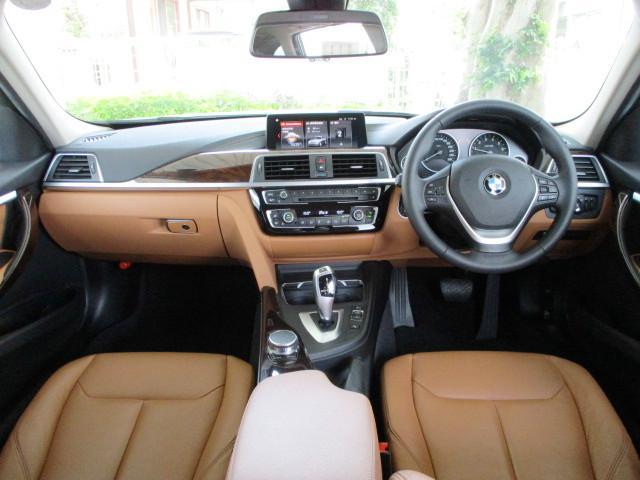 318iツーリング ラグジュアリー コニャックレザー シートヒーター タッチパネルHDDナビゲーション スマートキー 衝突軽減ブレーキ レーンアシスト バックカメラ コーナーセンサー LEDヘッドライト BMW正規ディーラー認定中古車(2枚目)