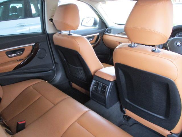 318iツーリング ラグジュアリー コニャックレザー シートヒーター タッチパネルHDDナビゲーション スマートキー 衝突軽減ブレーキ レーンアシスト バックカメラ コーナーセンサー LEDヘッドライト BMW正規ディーラー認定中古車(6枚目)