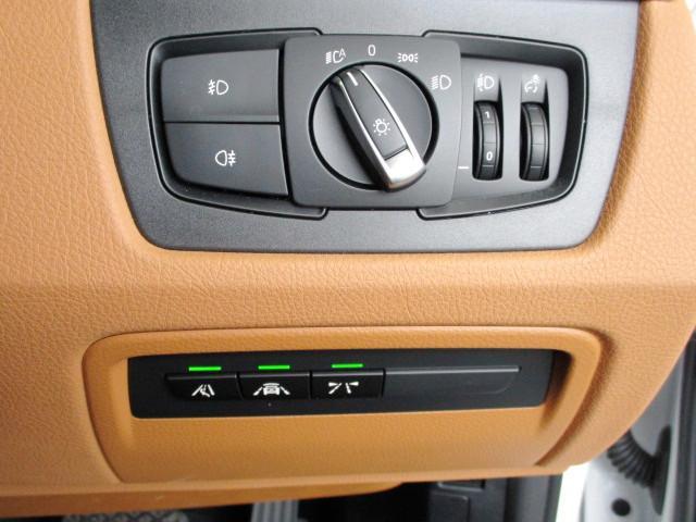 318iツーリング ラグジュアリー コニャックレザー シートヒーター タッチパネルHDDナビゲーション スマートキー 衝突軽減ブレーキ レーンアシスト バックカメラ コーナーセンサー LEDヘッドライト BMW正規ディーラー認定中古車(26枚目)