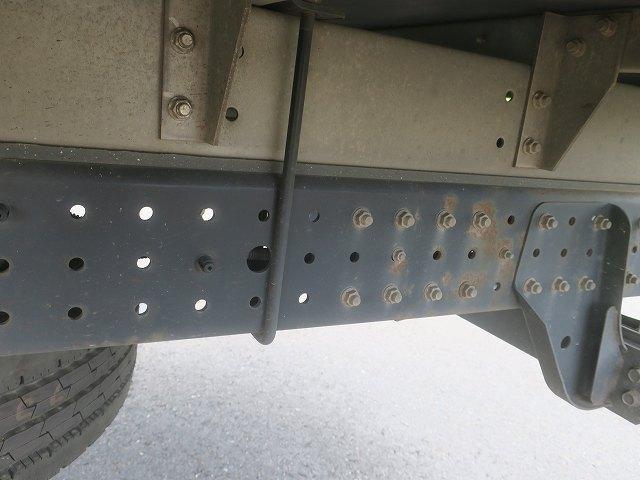 ワイドキャブロング全低床 平成24年式 三菱ふそう 2tアルミバン ワイドロング 全低床 導風板 内高221cm ナビ 2ペダル 準中型免許(11枚目)