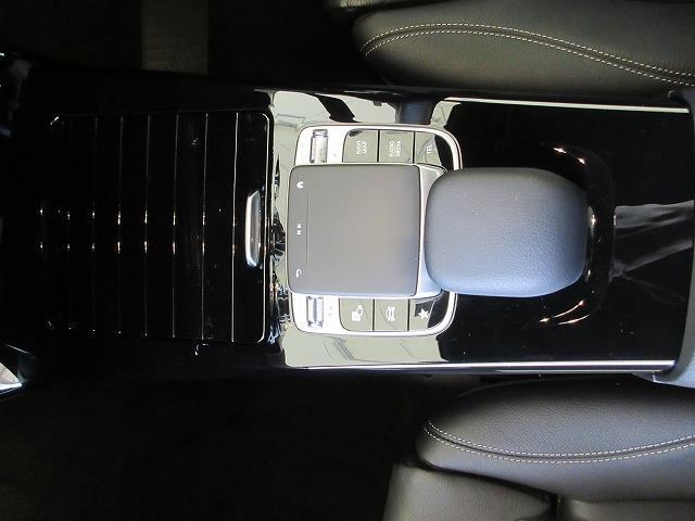 A250 4マチック セダン レーダーセーフティパッケージ ナビゲーションパッケージ アドバンスドパッケージ レザーエクスクルーシブパッケージ 2年保証 新車保証(7枚目)