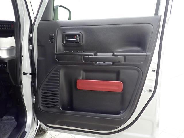 ご覧のように着座位置が高めですので、視線が高くて運転はラクラクです!