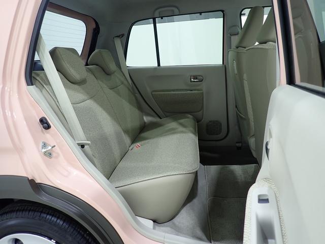 【後部座席】後部座席に乗る方が極力疲れないよう、足元を広く設計されています!長距離ドライブもばっちりですよ♪