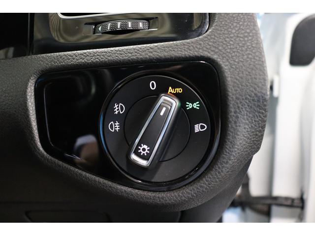 TSIハイラインブルーモーションテクノロジー 禁煙車/ターボ/プリクラッシュセーフティシステム/アダプティブレーンガイド/フロントアシスト/HIDヘッドライト/Bluetooth/USB入力/アイドリングストップ/ETC/オートホールド/記録簿(13枚目)
