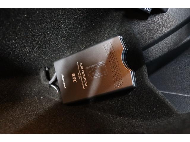TSIハイラインブルーモーションテクノロジー 禁煙車/ターボ/プリクラッシュセーフティシステム/アダプティブレーンガイド/フロントアシスト/HIDヘッドライト/Bluetooth/USB入力/アイドリングストップ/ETC/オートホールド/記録簿(14枚目)