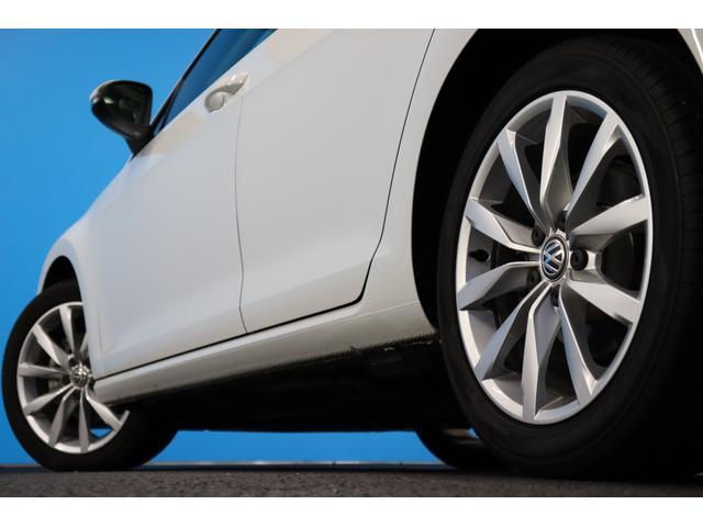 TSIハイラインブルーモーションテクノロジー 禁煙車/ターボ/プリクラッシュセーフティシステム/アダプティブレーンガイド/フロントアシスト/HIDヘッドライト/Bluetooth/USB入力/アイドリングストップ/ETC/オートホールド/記録簿(29枚目)