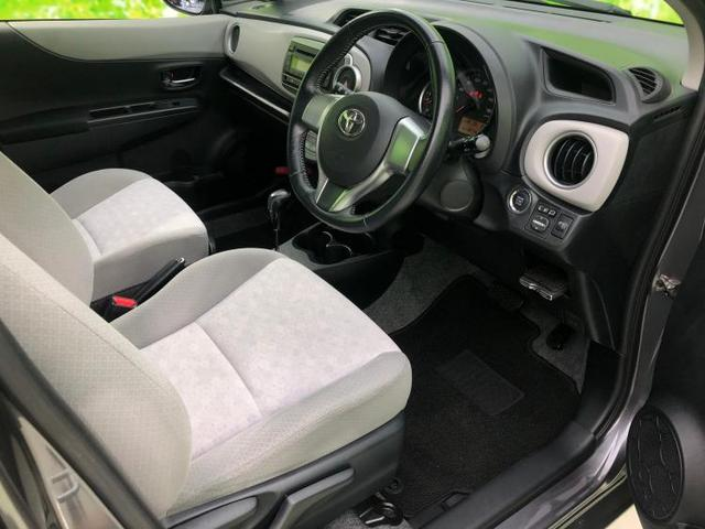 Uスマートストップパッケージ ETC/EBD付ABS/横滑り防止装置/アイドリングストップ/エアバッグ 運転席/エアバッグ 助手席/パワーウインドウ/キーレスエントリー/オートエアコン/シートヒーター 前席/パワーステアリング(5枚目)