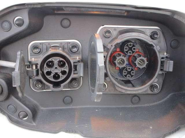 2.0 G ナビPKG 4WD 純正ナビ 電動テールゲート(5枚目)