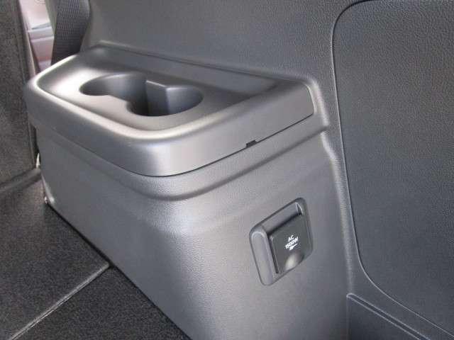 2.4 GプラスPKG サウンドシステム 車両検知 電気温水(13枚目)