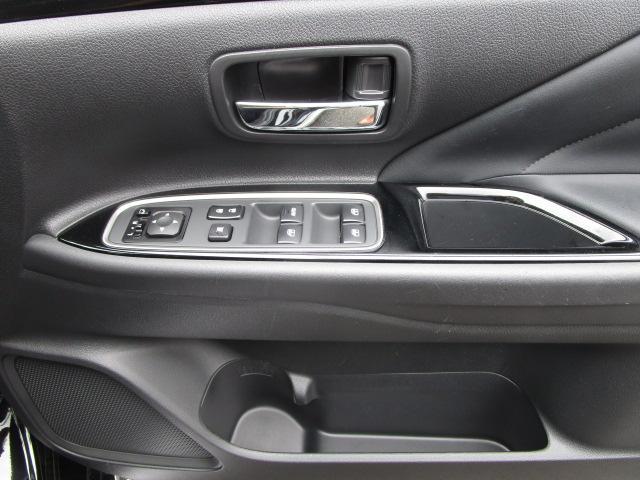 「三菱」「アウトランダーPHEV」「SUV・クロカン」「神奈川県」の中古車73