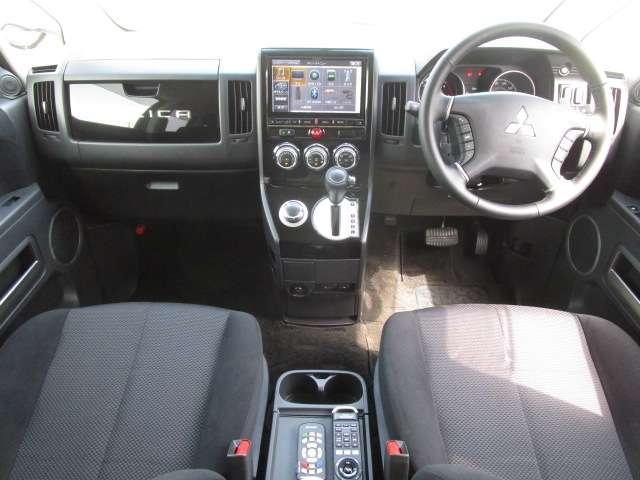 ローデスト D パワーパッケージ クロムメッキアルミ アルパイン9インチナビ 後席モニター10.1インチ ETC ワンオーナー 8人乗り 4WD 両側電動スライドドア(9枚目)