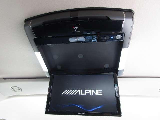 ローデスト D パワーパッケージ クロムメッキアルミ アルパイン9インチナビ 後席モニター10.1インチ ETC ワンオーナー 8人乗り 4WD 両側電動スライドドア(11枚目)