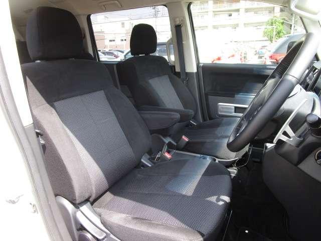 ローデスト D パワーパッケージ クロムメッキアルミ アルパイン9インチナビ 後席モニター10.1インチ ETC ワンオーナー 8人乗り 4WD 両側電動スライドドア(12枚目)
