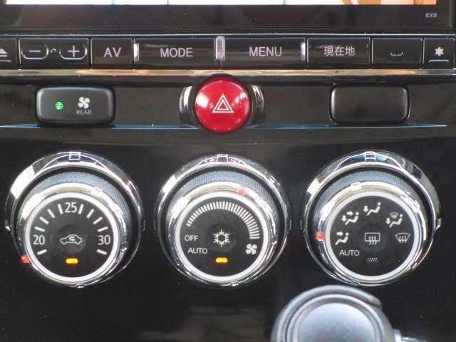 ローデスト D パワーパッケージ クロムメッキアルミ アルパイン9インチナビ 後席モニター10.1インチ ETC ワンオーナー 8人乗り 4WD 両側電動スライドドア(17枚目)