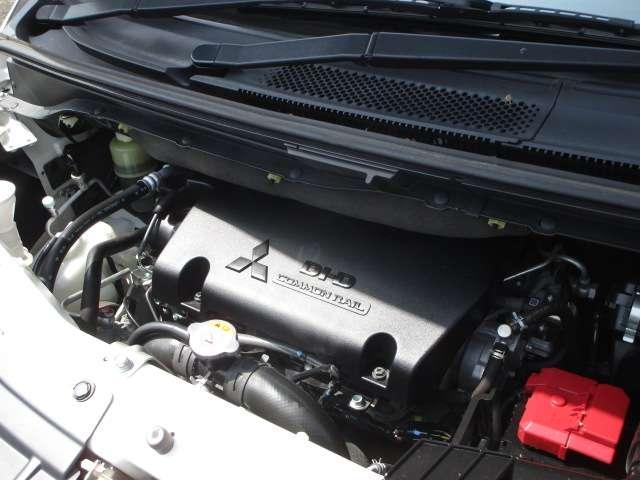 ローデスト D パワーパッケージ クロムメッキアルミ アルパイン9インチナビ 後席モニター10.1インチ ETC ワンオーナー 8人乗り 4WD 両側電動スライドドア(18枚目)