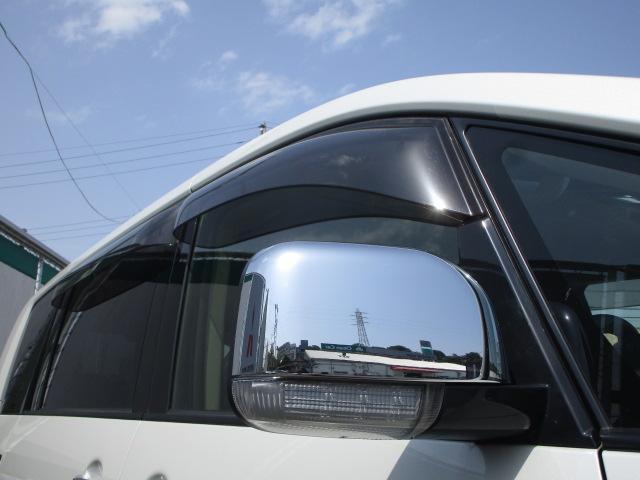 ローデスト D パワーパッケージ クロムメッキアルミ アルパイン9インチナビ 後席モニター10.1インチ ETC ワンオーナー 8人乗り 4WD 両側電動スライドドア(26枚目)