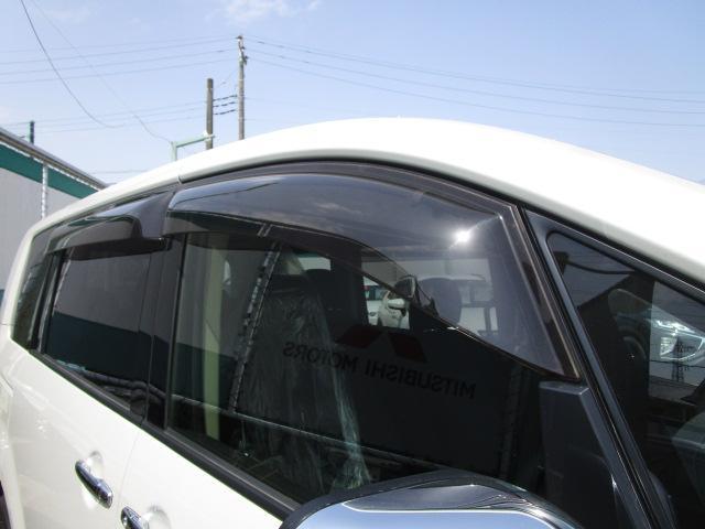ローデスト D パワーパッケージ クロムメッキアルミ アルパイン9インチナビ 後席モニター10.1インチ ETC ワンオーナー 8人乗り 4WD 両側電動スライドドア(27枚目)
