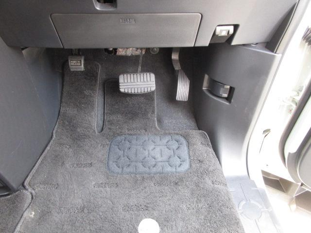 ローデスト D パワーパッケージ クロムメッキアルミ アルパイン9インチナビ 後席モニター10.1インチ ETC ワンオーナー 8人乗り 4WD 両側電動スライドドア(56枚目)