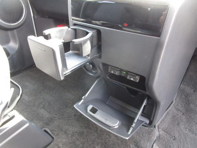 ローデスト D パワーパッケージ クロムメッキアルミ アルパイン9インチナビ 後席モニター10.1インチ ETC ワンオーナー 8人乗り 4WD 両側電動スライドドア(57枚目)