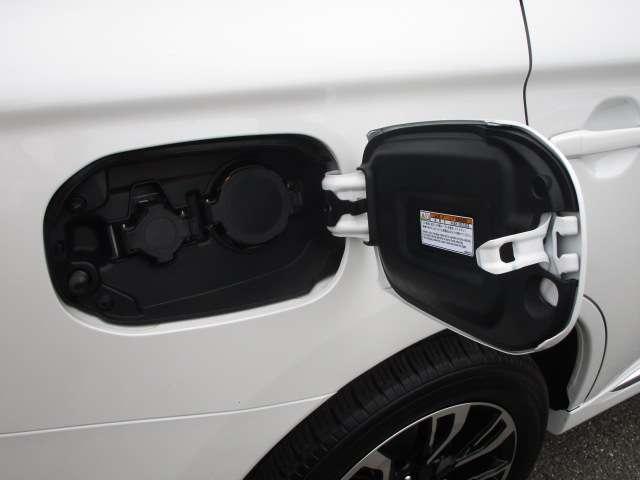 Gセーフティパッケージ 電池残量92パーセント 誤発進抑制機能+パーキングソナー 禁煙車 ワンオーナー クラリオン製メモリーナビ マルチアラウンドモニター レーダークルーズコントロール 横滑り防止機能 衝突被害軽減ブレーキ(14枚目)