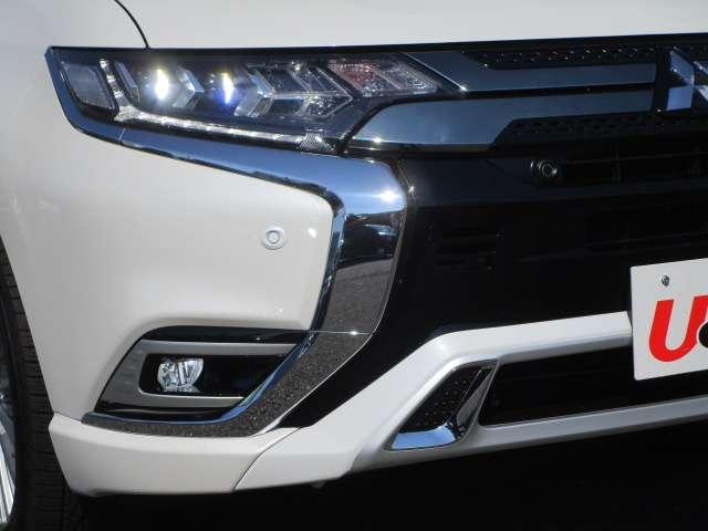 G 電池容量91パーセント 誤発進抑制機能 衝突被害軽減ブレーキ 横滑り防止機能 車線逸脱警報システム ETC2.0 クラリオンナビ フルセグ Bluetooth レーダークルーズコントロール 1オーナー(9枚目)