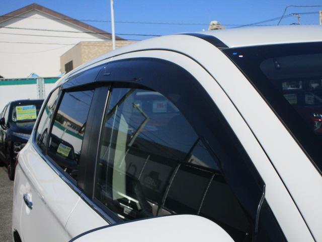 G 電池容量91パーセント 誤発進抑制機能 衝突被害軽減ブレーキ 横滑り防止機能 車線逸脱警報システム ETC2.0 クラリオンナビ フルセグ Bluetooth レーダークルーズコントロール 1オーナー(39枚目)