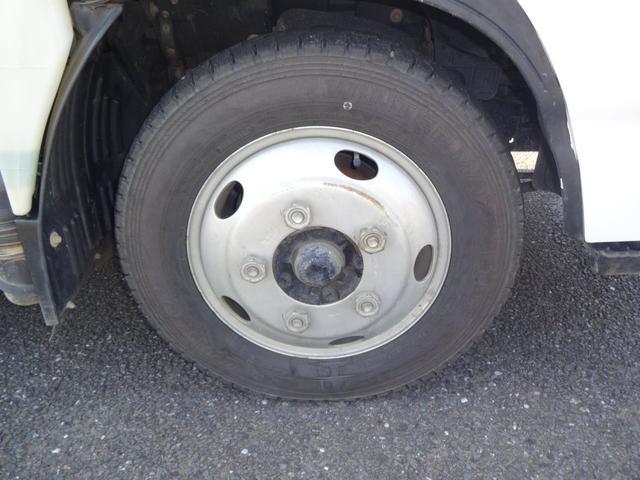 前輪タイヤです。