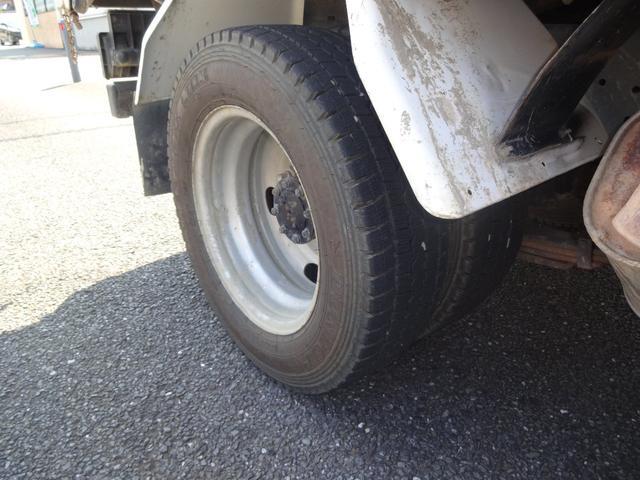 後輪ダブルタイヤです。