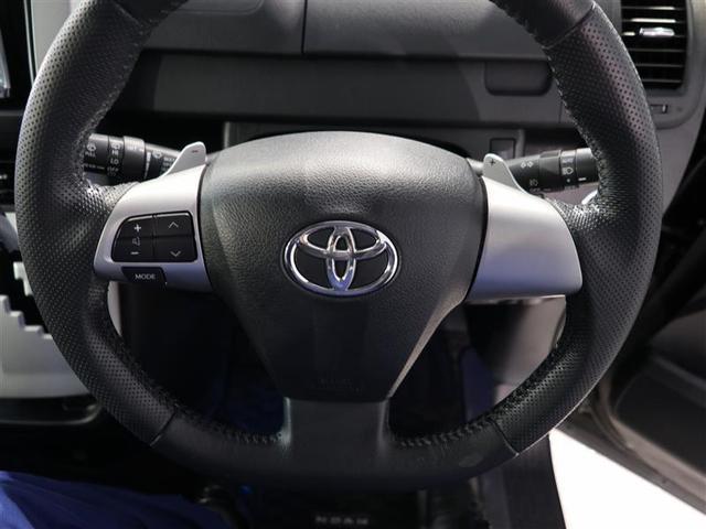ステアリングスイッチ付きで運転中の操作の楽々です。