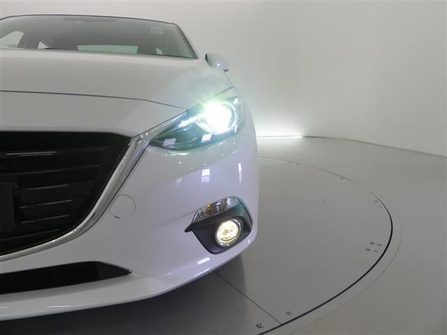 【HIDヘッドライト】 ディスチャージ(HIDランプ装備車です♪大光量のヘッドライトが夜間の運転を、強力にサポート☆白色の光がクールなライトです。
