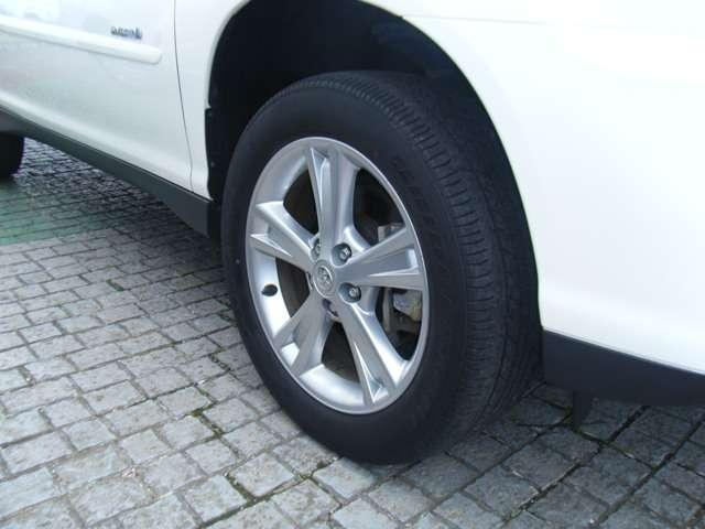 トヨタ ハリアーハイブリッド プレミアムSパッケージ タイヤ4本交換 純正HDDナビ