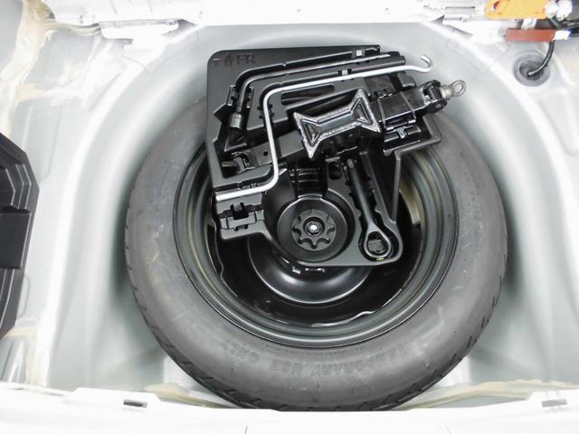 【応急用タイヤ】応急用タイヤが付属します。こちらもしっかりと点検してお渡しいたします。