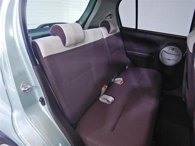 運転席シートに上下アジャスターが付いてます。運転席も助手席もリラックスして座れます。