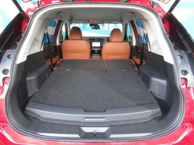 20Xi ハイブリッド レザーエディション プロパイロット・4WD・本革パワーシート・シートヒーター・エマージェンシーブレーキ・踏み間違防止アシスト・アラウンドビューモニター・ドライブレコーダー・LED・電動リヤゲート・ルーフレール・試乗車UP(15枚目)