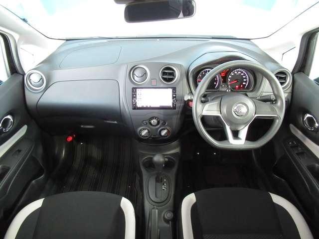 エマージェンシーブレーキ・踏み間違い防止アシスト・バックビューモニター・ドライブレコーダー・ETC2.0・メモリーナビ・DVD再生・Bluetooth・インテリキー・アイドリングストップ・試乗車UP(3枚目)