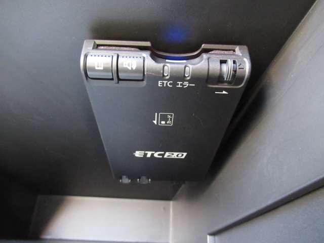 エマージェンシーブレーキ・踏み間違い防止アシスト・バックビューモニター・ドライブレコーダー・ETC2.0・メモリーナビ・DVD再生・Bluetooth・インテリキー・アイドリングストップ・試乗車UP(7枚目)