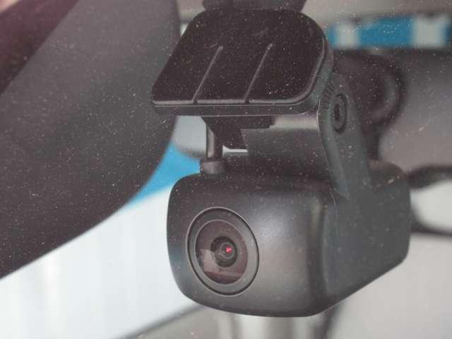 X 【弊社展示試乗車でした 走行1,522キロ】 衝突被害軽減ブレーキ・踏み間違い衝突防止アシスト・車線逸脱警報・アラウンドビューモニター・DVD再生カーナビ・ETC2.0・前後カメラ付きドラレコ(9枚目)