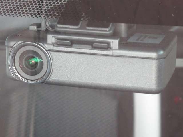X 【走行9,269キロ 当社社用車でした 新車保証継承】 衝突被害軽減ブレーキ 踏み間違い衝突防止アシスト スマートミラー アラウンドビューモニター DVD再生カーナビ ETC2.0 ドラレコ(6枚目)