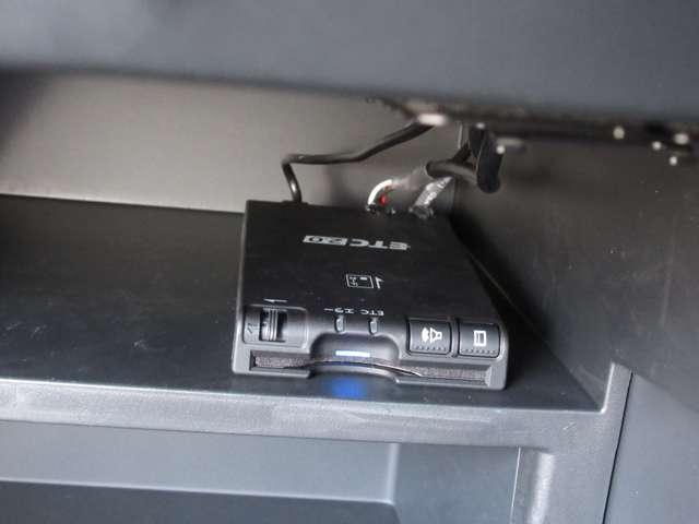 X 【ワンオーナー 走行8,524キロ 車検 令和4年2月】 衝突被害軽減ブレーキ 踏み間違い衝突防止アシスト 車線逸脱警報 前後ソナー DVD再生カーナビ バックカメラ ETC2.0 ドラレコ(7枚目)