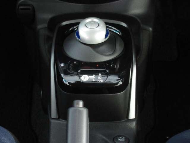 1.2 e-POWER X ブラックアロー Mナビ+Bカメラ+ドラレコ+ETC2.0 試乗車(4枚目)