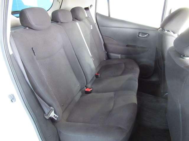 後部座席も乗り心地良好です。