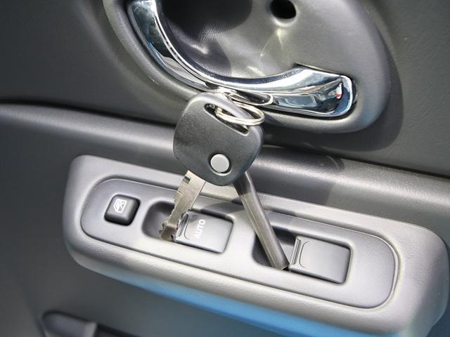 スズキ ジムニー ランドベンチャー 4WD 5MT 届出済未使用車 新車保証付