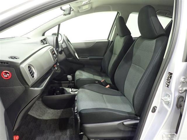 コンパクト車ながら、座席は大き目でゆったりとしています