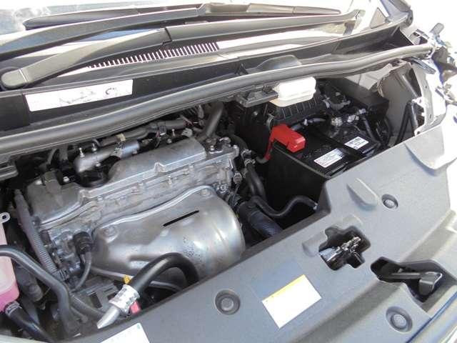 車両クリーニング時に、エンジンルームもきれいにしてます