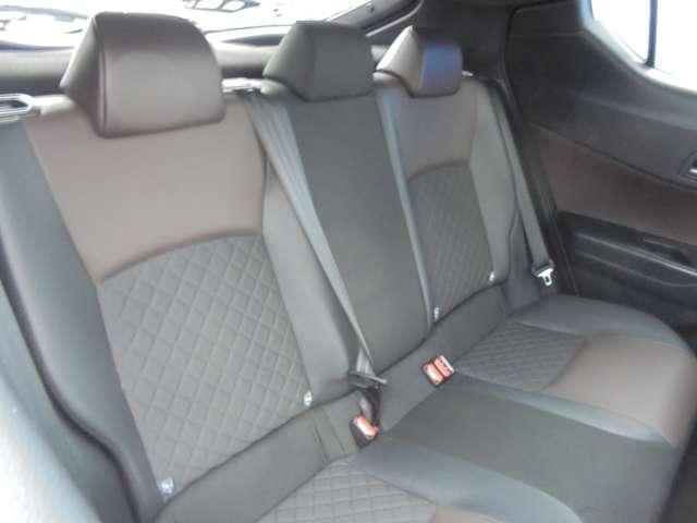 車内の横幅があるので後部座席もゆったりしています