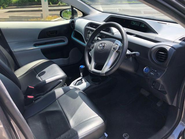 トヨタ アクア S HDDナビ ETC スマートキー 黒調レザーシート