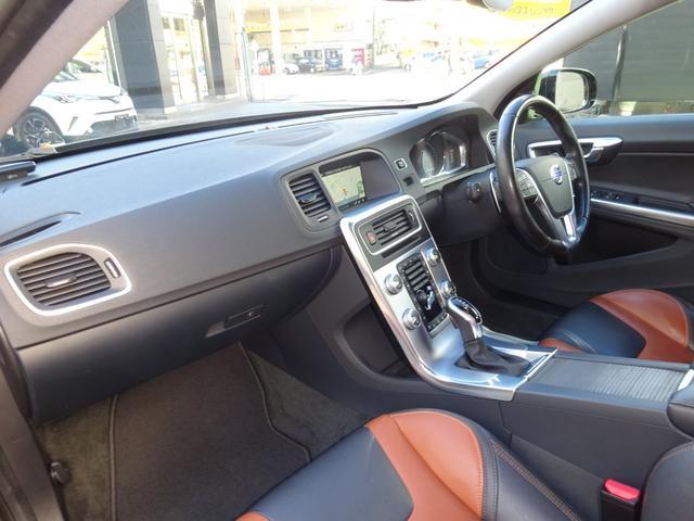 クロスカントリー T5 AWD SE 禁煙車 インテリセーフ 本革シート パワーバックドア(11枚目)